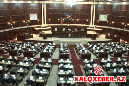 Parlament I vitse-prezidentlə bağlı prezidentin göndərdiyi dəyişiklikləri qəbul etdi