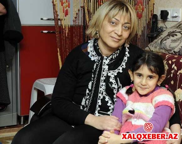 Mübariz Mənsimov Xanım Qafarovanın qızına mənzil bağışladı