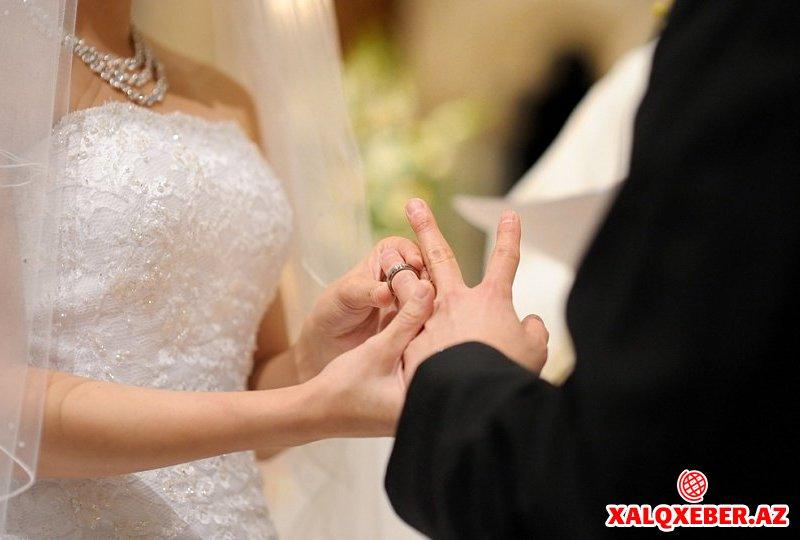 Niyə kişilər özlərindən böyük qadınlarla evlənir?