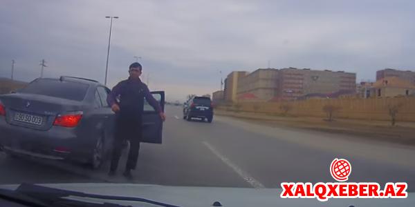 Bakıda qayda pozub, təpik atan 90-SO-003 nömrəli avtomobilin sürücüsü tutuldu (VİDEO)