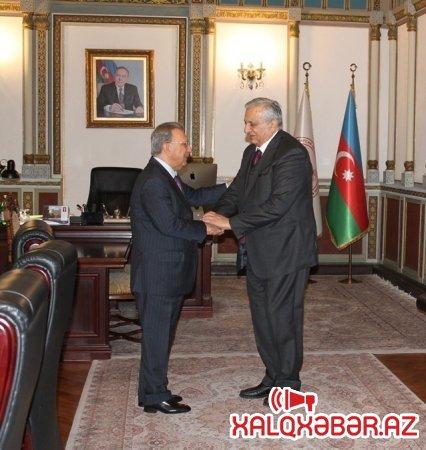 Ramiz Mehdiyev Gürcüstan Milli Elmlər Akademiyasının vitse-prezidenti ilə görüşüb