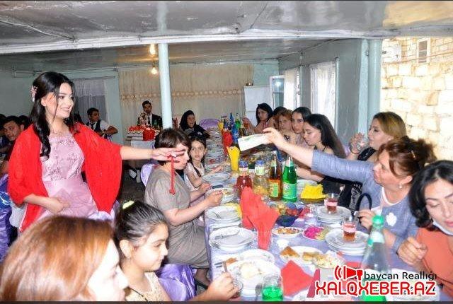 Ağdam rayon Təhsil Şöbəsinin müdirəsi karantin rejmin pozdu nişan və toy mərasimi keçrib - FOTO