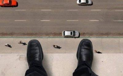 Bakıda intihar: Kişi özünü körpüdən atıb
