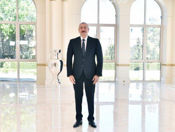 AVRO-2020-nin kuboku Prezident İlham Əliyevə təqdim olundu - FOTOLAR